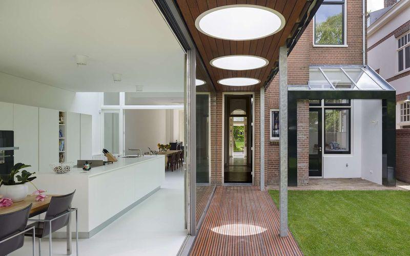 Villa juliana par borren staalenhoef architects leeuwarden pays bas construire tendance - Grande baie vitree ...