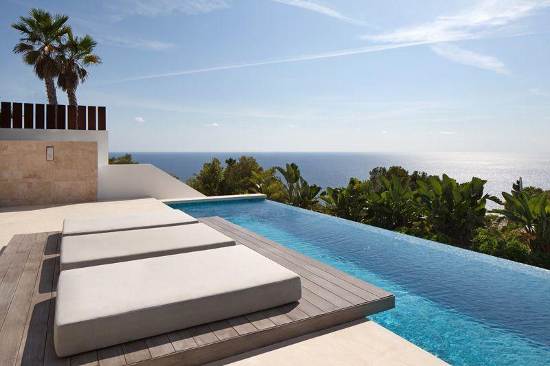 Superbe villa contemporaine et son panorama sur la c te d - Bain de soleil piscine ...