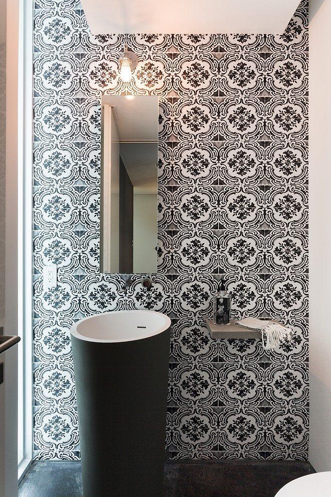 Peribere residence par max strang architecture biscayne - Papel pintado para banos sobre azulejos ...