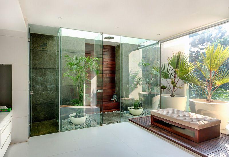 magnifique villa en forme de c con ue autour d une grande piscine construire tendance. Black Bedroom Furniture Sets. Home Design Ideas