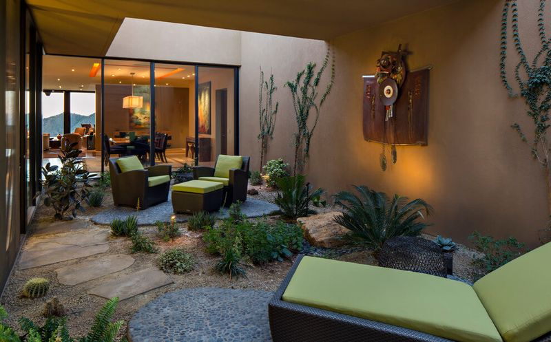 une r sidence dans le d sert de l arizona avec sa charpente originale en bois construire tendance. Black Bedroom Furniture Sets. Home Design Ideas