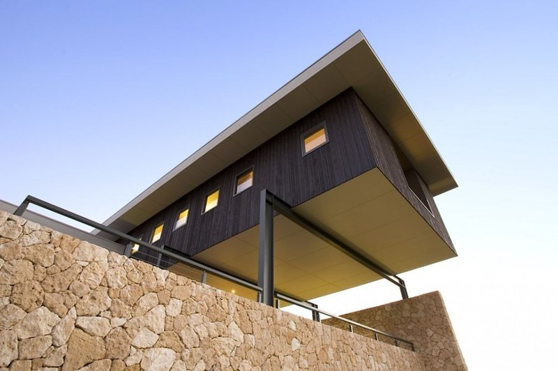Maison contemporaine house 14 par dane design eagle bay for Architecture porte a faux