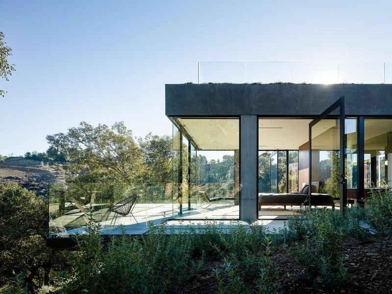 porte faux terrasse oak pass main house par walker workshop los angeles - Maison Moderne Avectoiture