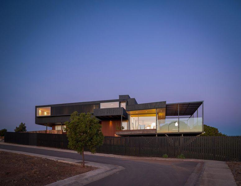 Maison contemporaine sur pilotis bordant l oc an pacifique au chili construire tendance - Maison s par domenack arquitectos ...