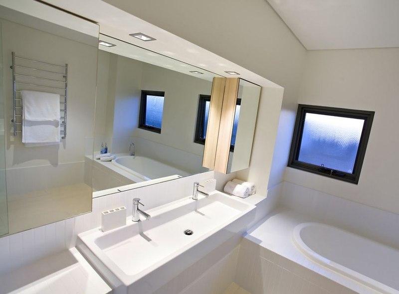 maison contemporaine house 14 par dane design eagle bay. Black Bedroom Furniture Sets. Home Design Ideas
