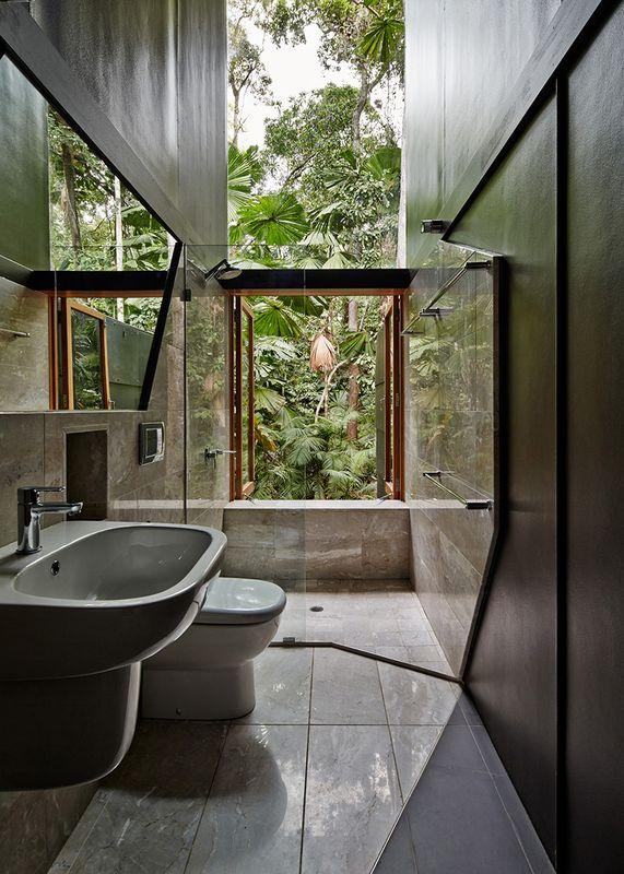 Salle De Bains House Tropical Par M3architecture