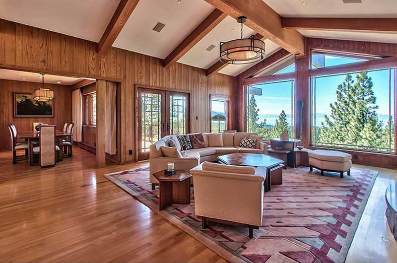 Splendide panorama pour cette maison bois et pierre traditionnelle am ricaine construire tendance - Cuisine style americain ...
