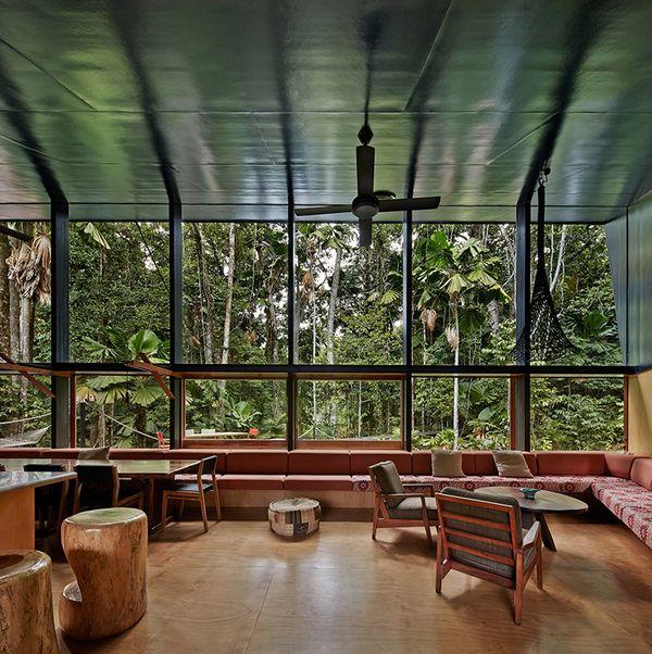 superbe maison exotique en pleine for t tropicale en australie construire tendance. Black Bedroom Furniture Sets. Home Design Ideas