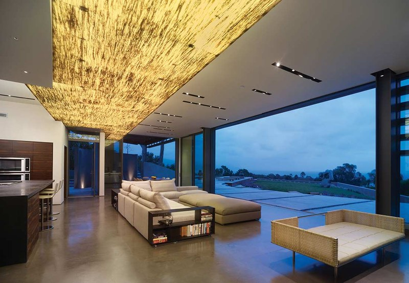 Maison contemporaine avec une forme carrel e aux usa for Salon construction maison