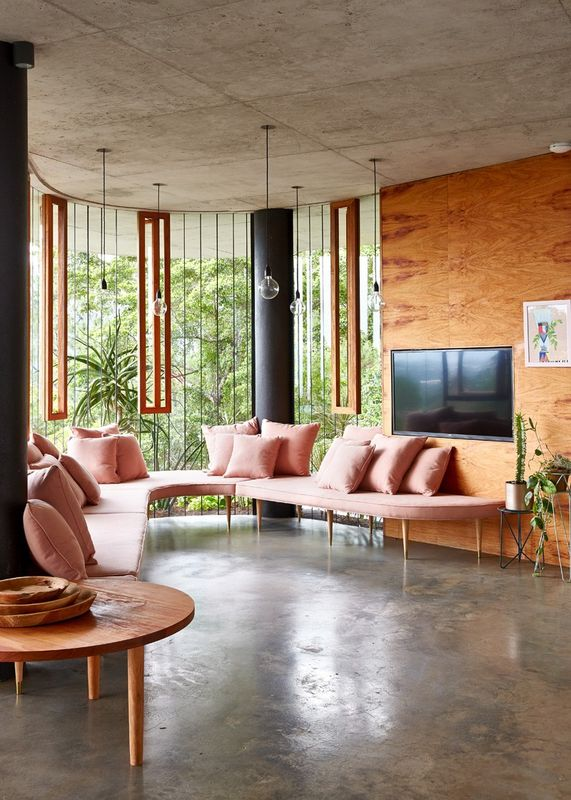 Superbe maison contemporaine sur pilotis offrant un havre for Coin salon design