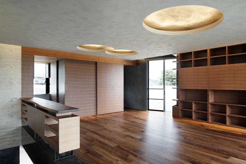 imposante maison urbaine et son entr e en forme de grotte au japon construire tendance. Black Bedroom Furniture Sets. Home Design Ideas