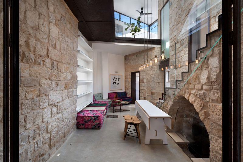 salon \u0026 séjour, Stone,House par Henkin Shavit Architecture \u0026 Design , Safed,