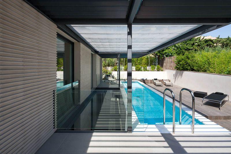 Maison h3 villa contemporaine par vincent coste st for Terrasse avec piscine contemporaine