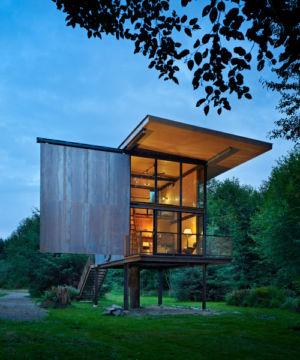 "Cabin""http://tinyhousepins.com/secure-steel-cabin-on-stilts/"">+ d'infos"