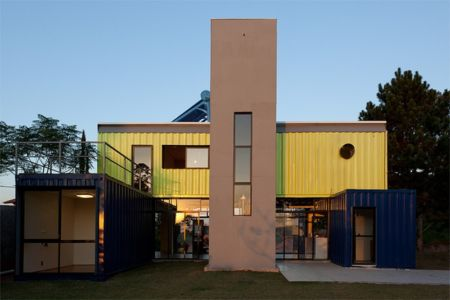 Casa Container par Danilo Corbas -São+Paulo, Brésil - +d'infos