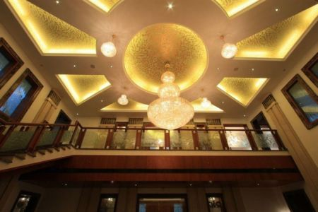 Chandelier Lustres Au Plafond - Royal-Splendour-House Par Ansari And Associates - Ayyampet, Inde