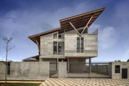 entrée principale extérieure - Sepang-House par Eleena Jamil Architect - Sepang, Malaisie