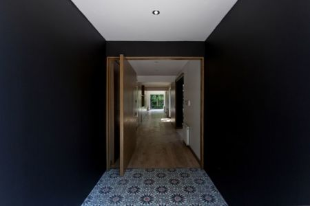Couloir - House-LG10182 par Brugnoli Asociados Arquitectos - Santiago, Chili