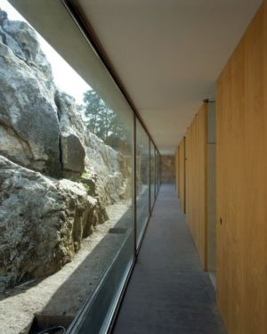 Couloir Intérieur - house-moledo par Eduardo Souto - Moledo, Portugal