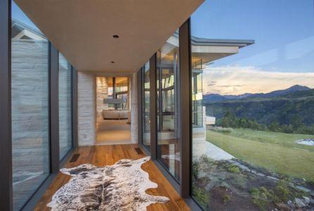 Couloir façade vitrée entrée pièce de vie - home-Colorado par Bill-Poss - Colorado, USA