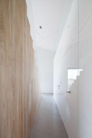 Couloir - House-Krostoszowice Par RS+ - Krostoszowice, Pologne