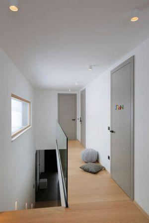 Couloir - Maison En T Par SoNo Arhitekti - Slovénie