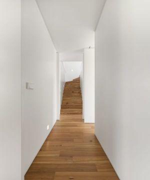 Couloir & Escalier Accès étage - Restelo-House Par Joao Tiago Aguiar - Lisbonne, Portugal