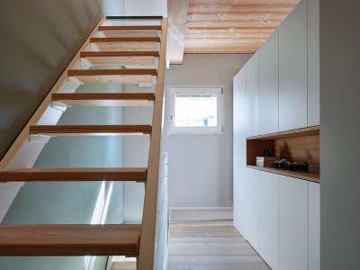 Couloir & Escalier Bois - SV-House Par Rocco Borromini - Albosaggia, Italie