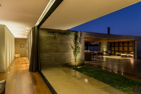 Couloir & Espace Terrasse - MCNY-House Par Mf Arquitetos - Franca, Bresil