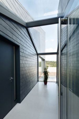 Couloir Extérieur & Plafond Vitré - House-Krostoszowice Par RS+ - Krostoszowice, Pologne