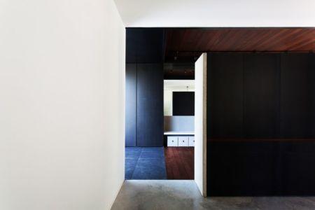 Coupée Croisée Par YH2 Architecture - Montréal, Canada 02