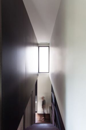 Coupée Croisée Par YH2 Architecture - Montréal, Canada 05