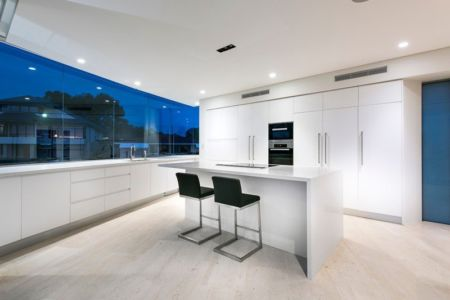 Cuisine - City Beach House - par Banham Architects - Perth, Australie.jpg