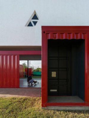 entrée - Container House par Schreibe Architect - Cordoba, Argentine.jpg