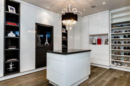 Dressing - Ashley Park House par Barroso Homes - Toronto, Canada