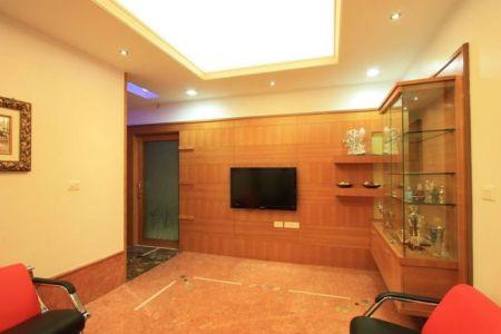 Ecran TV & Armoire Déco Salle Séjour - Royal-Splendour-House Par Ansari And Associates - Ayyampet, Inde