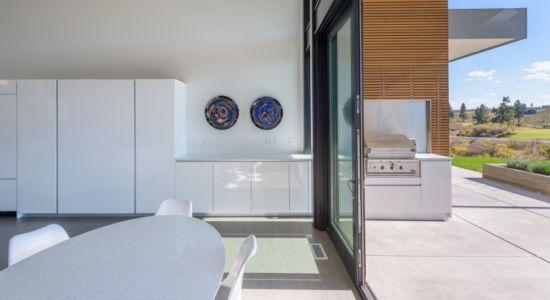 Séjour et terrasse - filler-residence par Pique - Bend, USA.jpg