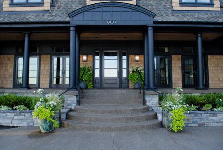 Entrée façade - Maison typique par TTM Development company - Portland, Usa
