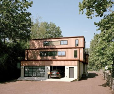 Entrée Garage - Shipping-Container-Home Par Moseley Mathesius - New Jersey, Etats-Unis