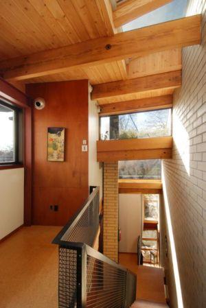 Escalier accès étage supérieur - Ellis Park House par Altius Architecture - Toronto, Canada