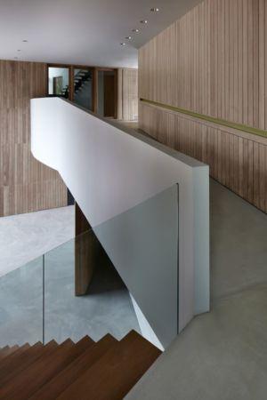 Escalier bois accès étage - Astrid-Hill-House par Tsao & McKown Architects - Singapour