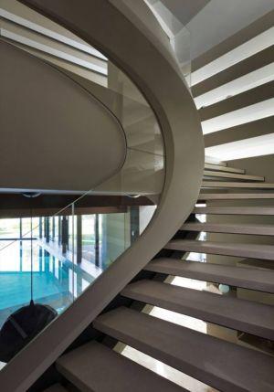 Escalier Accès Niveau Supérieur - House-Kharkov Par Sbm Studio - Kharkov, Ukraine