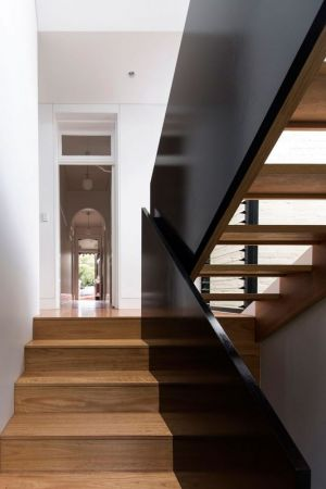 Escalier Bois Accès Niveau Supérieur - Unfurled-House Par Christopher Polly Architect - Sydney, Australie