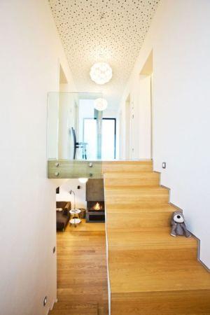 Escalier Bois Accès étage - Villa-Inga Par Par Sebo Lichy - Bratislava, Slovaquie