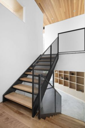 Escalier Bois Accès étage Supérieur - V-Shaped-Residence Par Bourgeois Lechasseur - Charlevoix, Canada