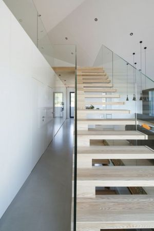 Escalier Bois & Balustrade En Verre - House-Krostoszowice Par RS+ - Krostoszowice, Pologne