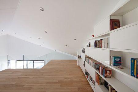 Espace Bibliothèque - House-Krostoszowice Par RS+ - Krostoszowice, Pologne