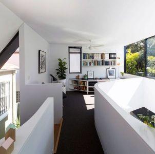 Espace Bibliothèque Second étage - Unfurled-House Par Christopher Polly Architect - Sydney, Australie