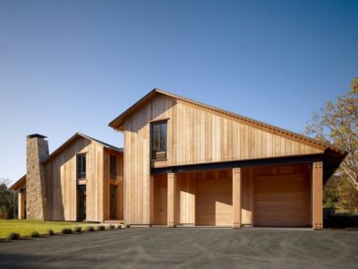 Façade bois garages - maison traditionnelle par Chesler Construction - Californie, USA