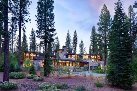 Façade Principale - Valhalla Résidence par RKD Architects - Californie, USA.jpg